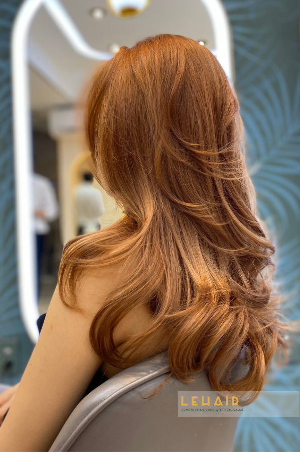 tóc uốn đẹp cho giáng sinh