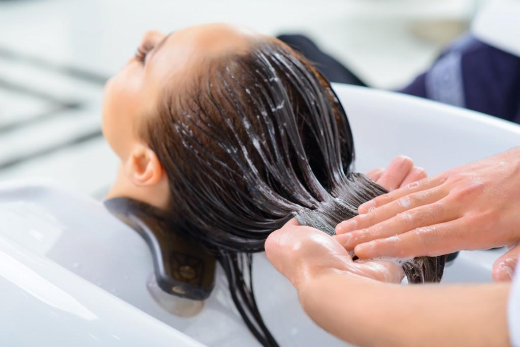 chăm sóc tóc keratin tại salon